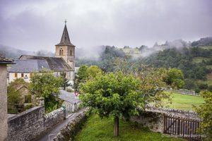 Vue de l'église d'Espeyrac