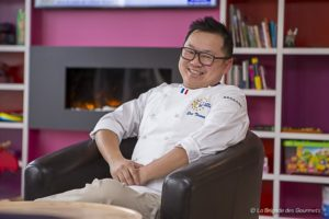 Rencontre avec Éric Ticana - Chef - Mars 2018 - Dans le salon de reception de l'hôtel Mercure - Bussy-Saint-Georges - France