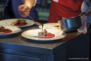Découverte restaurant - L'univers - 2 Place de la République, 12200 Villefranche-de-Rouergue - illustration cuisine - 2018 - Numero 1