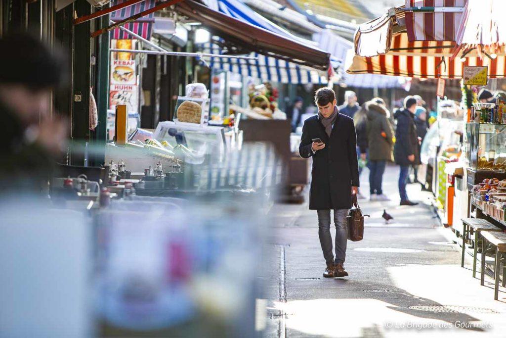 Quel plaisir de se balader dans les rues du marché.