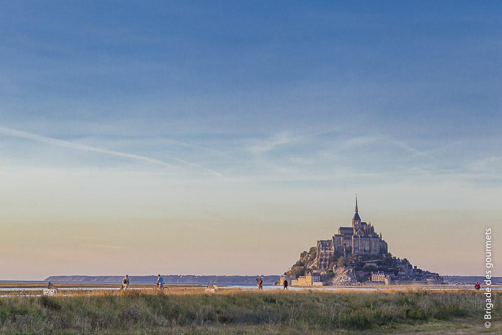 Mont Saint Michel à la tombée de la nuit