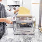 passer à la machine à pâte